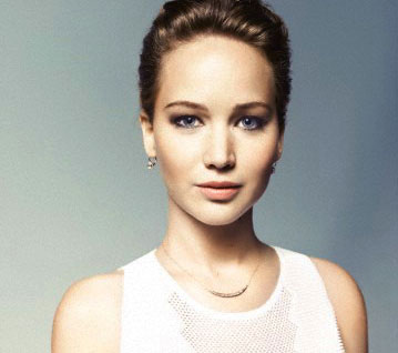Jennifer Lawrence - Crescent Necklace