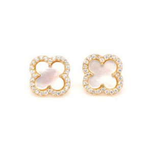 Clover Earrings for Bridesmaids on Wedding Day